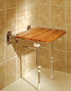 Asiento-ducha-abatible-madera.jpg